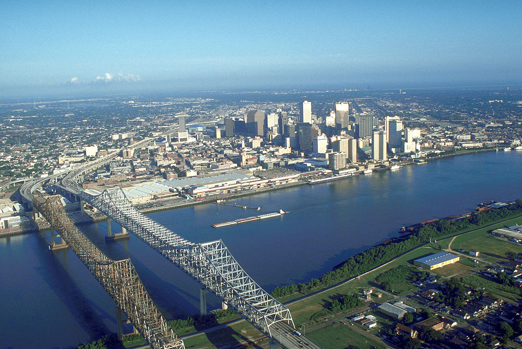 1024px-USACE_New_Orleans_skyline