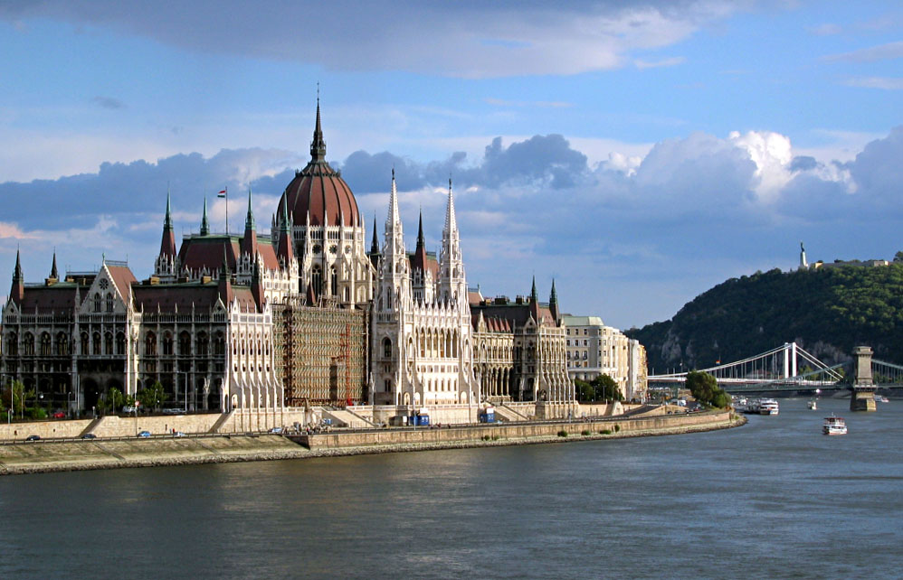 Budapest_Parlament-2