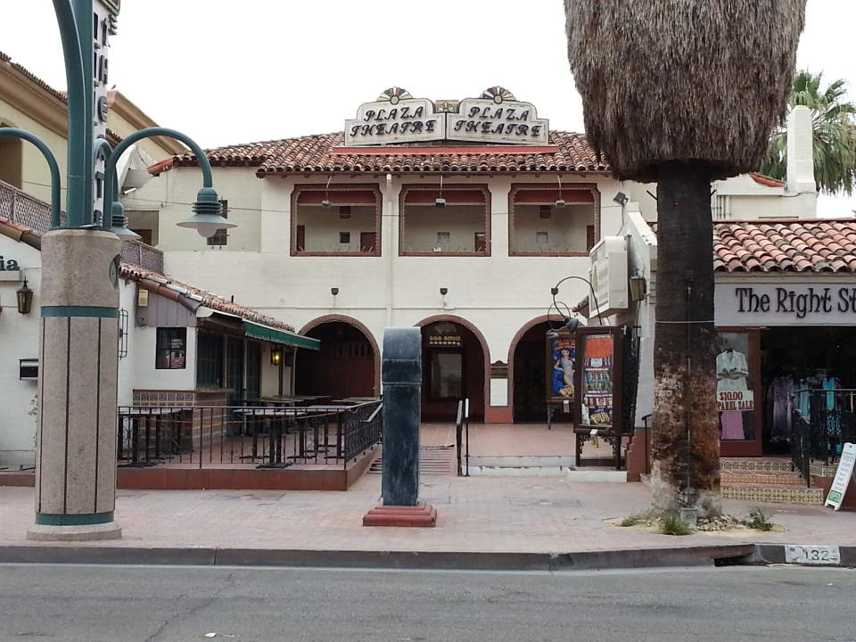 Plaza_Theatre_(Palm_Springs)