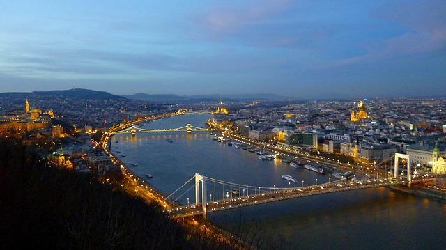 budapest-267671_640