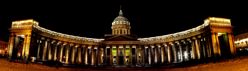 Kazan_Cathedral,_St._Petersburg,_Russia
