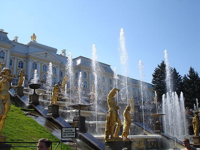 Peterhof,_St._Petersburg,_Russia