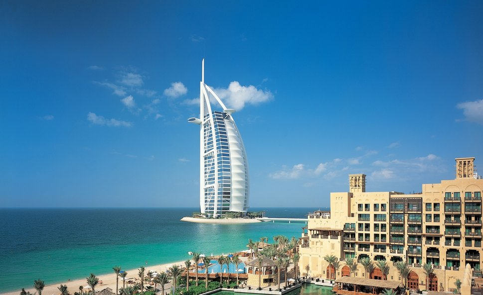 dubai-dubai-united-arab-emirates-city-sky-clouds-buildings-sea-river-water_p