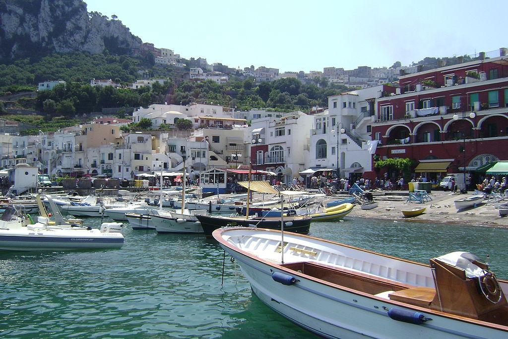 1024px-Capri,_Italy