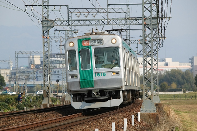 Kyoto_City_10_series_EMU_late_type_002