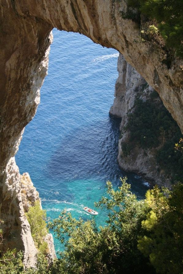 Natural_Arch_Capri_Italy