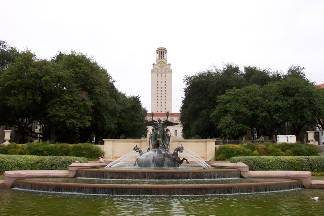 The_University_of_Texas_at_Austin_-_Littlefield_Fountain_and_Main_Building