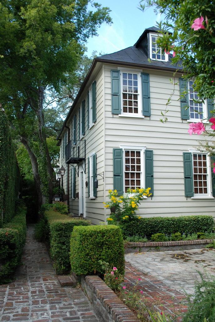 Thomas_Elfe_House_-_Charleston,_SC