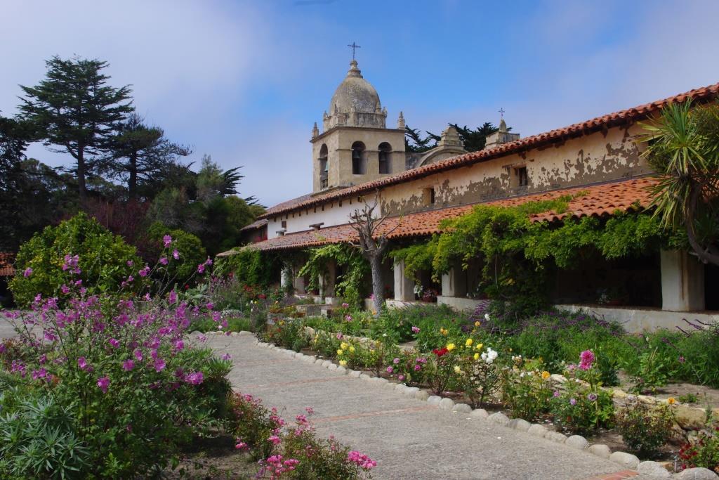 Monterey_Peninsula_-_Carmel_Mission_San_Carlos_Borromeo