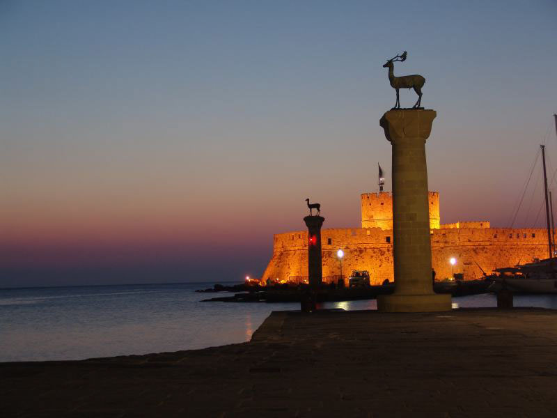 Sunrise_at_the_Island_of_Rhodes,_Greece