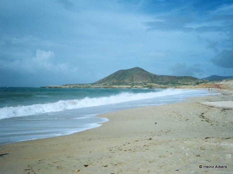 Venezuela_Margarita_island_El_Agua_Beach_a1e8d00840844df0894015853f259ba4