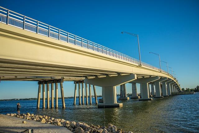 bridge-493755_640