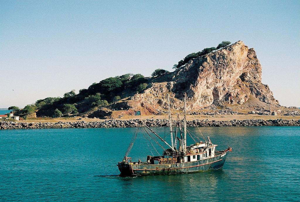 1024px-Mexican_fishing_boat