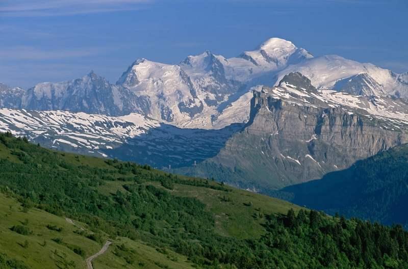 France_Rhone_Alpes_Mont_Blanc_f933e022273c4cc795e661e207d49b92