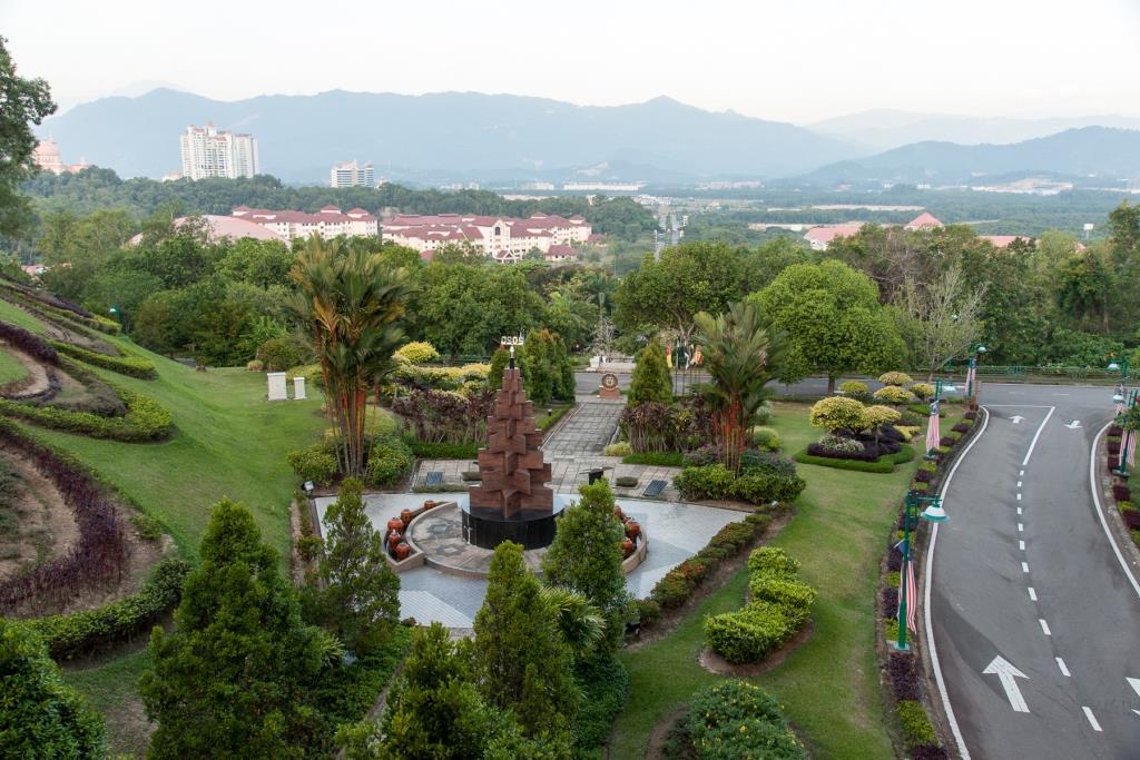 KotaKinabalu-Universiti-Malaysia-Sabah-LamanCanselori-2