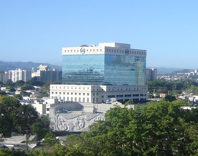 R-G_building_in_San_Juan_(Puerto_Rico)