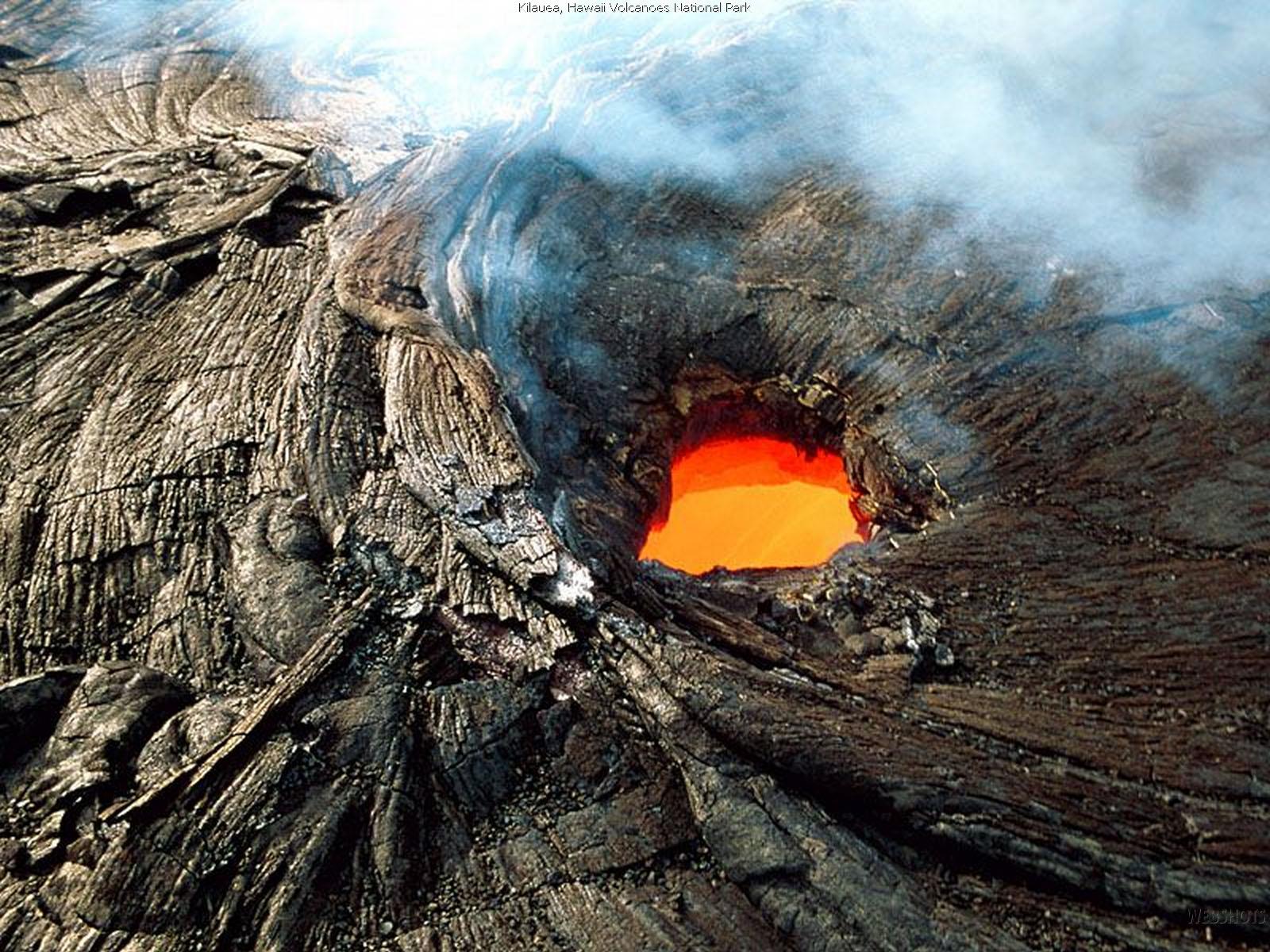 kilauea_hawaii_volcanoes_national_park_wallpaper-normal