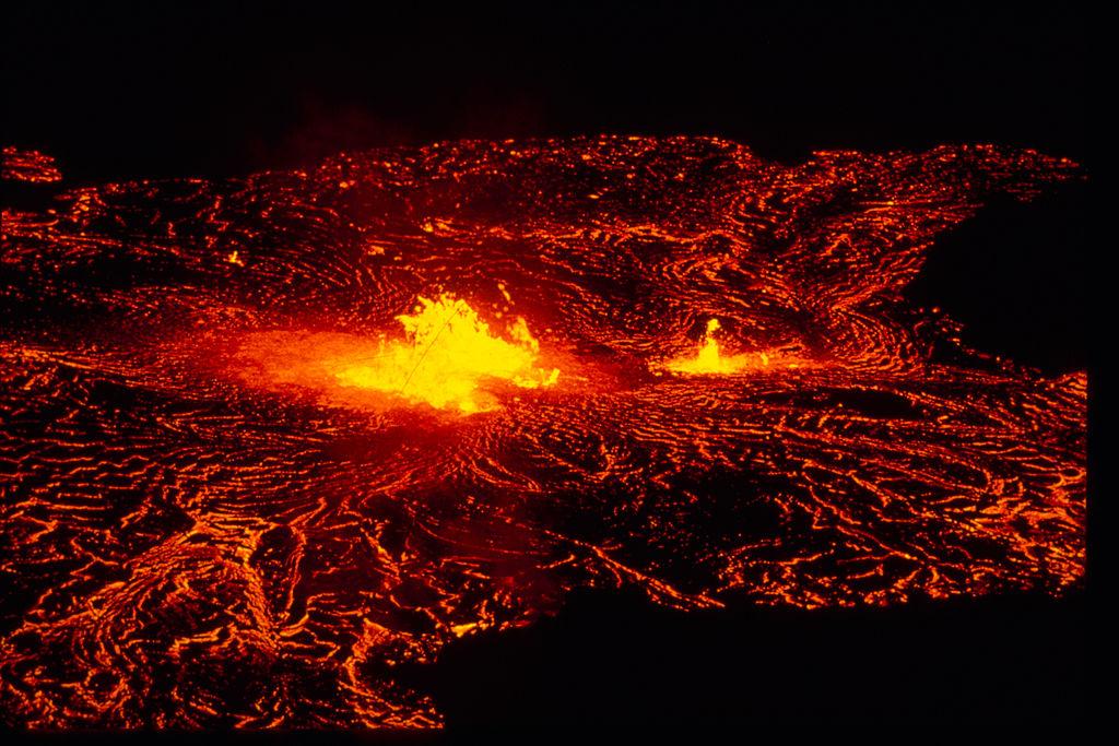 1024px-Hawai'i_Volcanoes_National_Park_HAVO1837