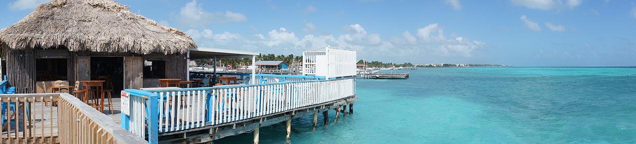 1280px-San_Pedro,_Ambergris_Caye,_Belize_-_Panoramic