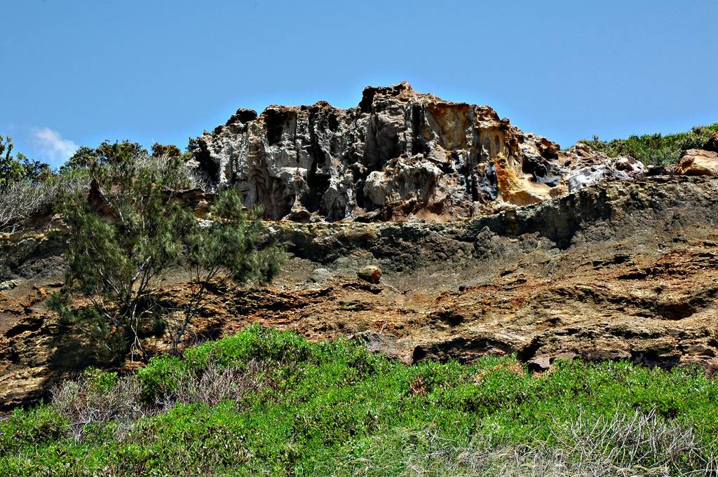 Fraser_Island_Cathedral_cliffs