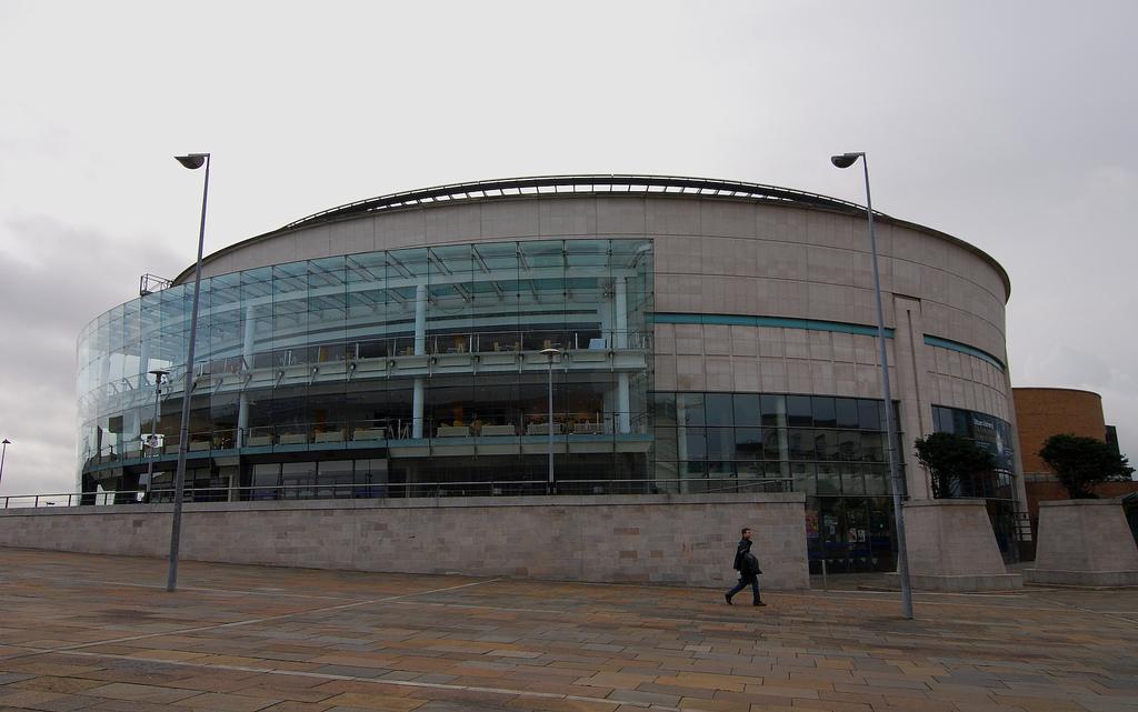 Waterfront_Hall,_Belfast
