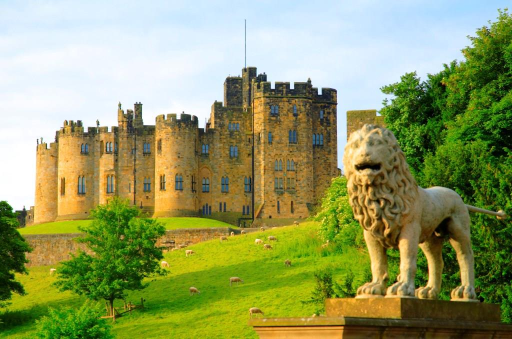 Alnwick Lion Sculpture