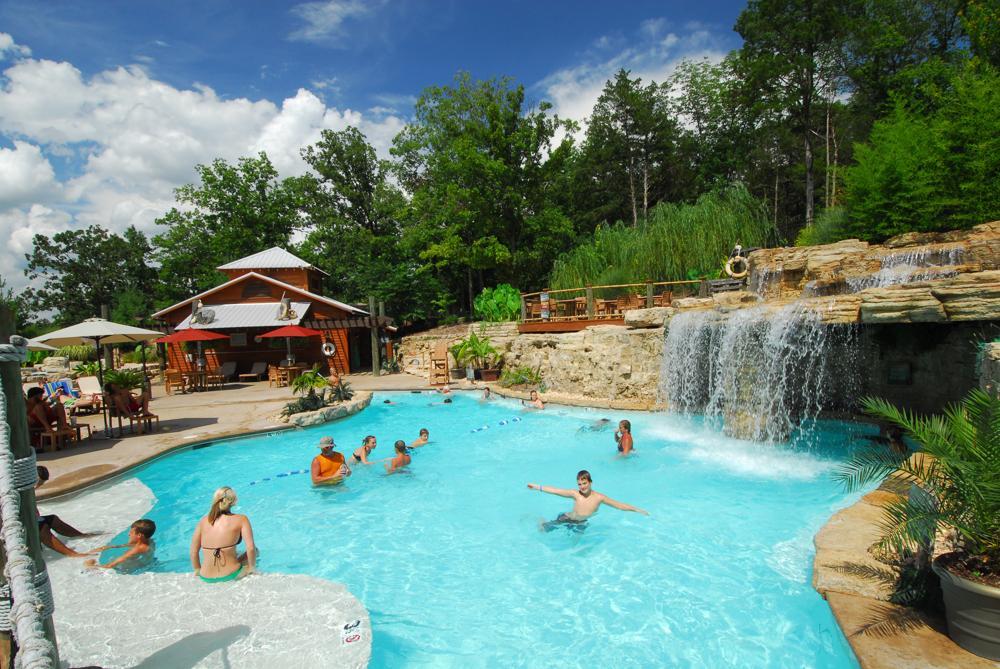the-island-oasis-pool
